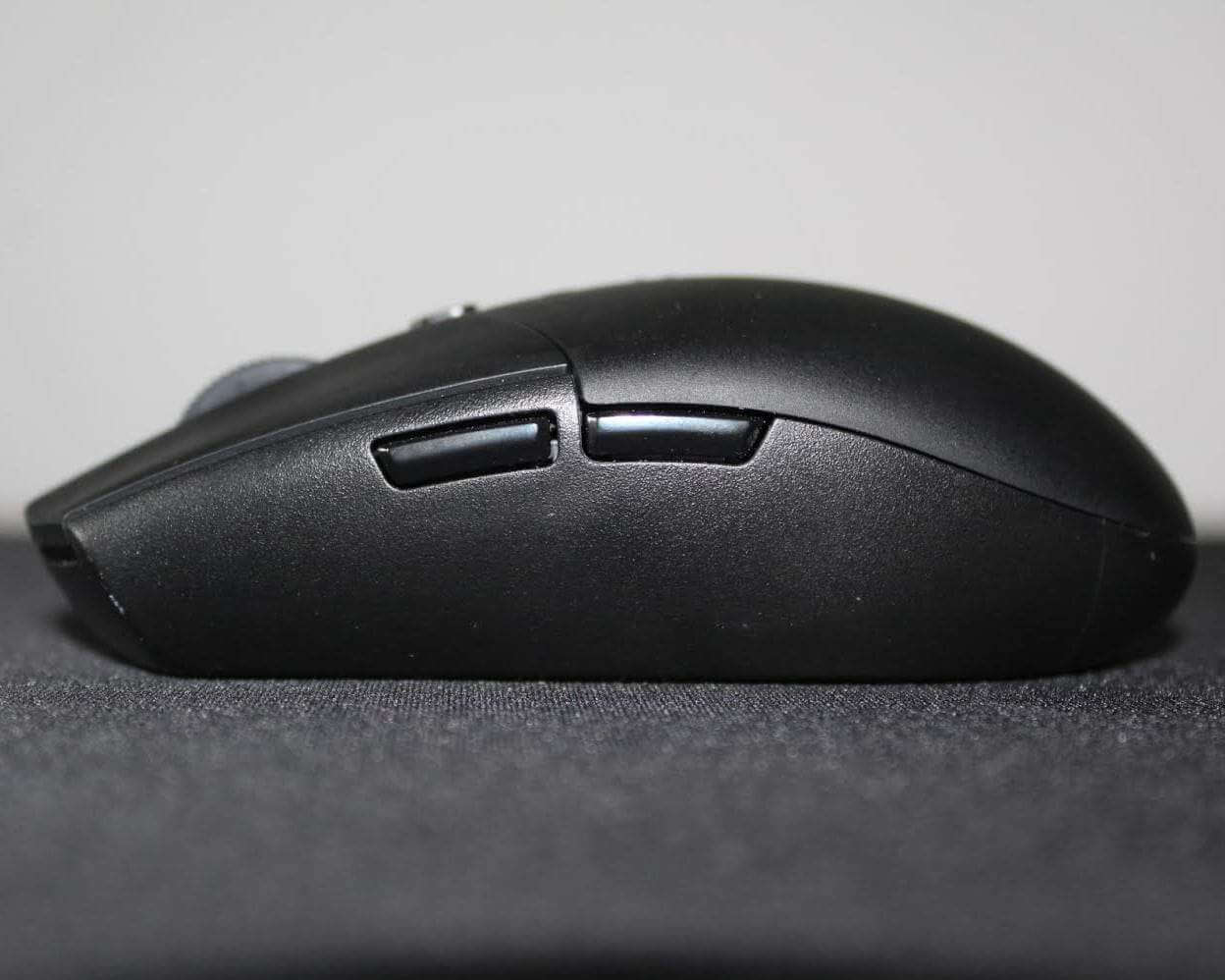 Logitech G305 Review Sideview