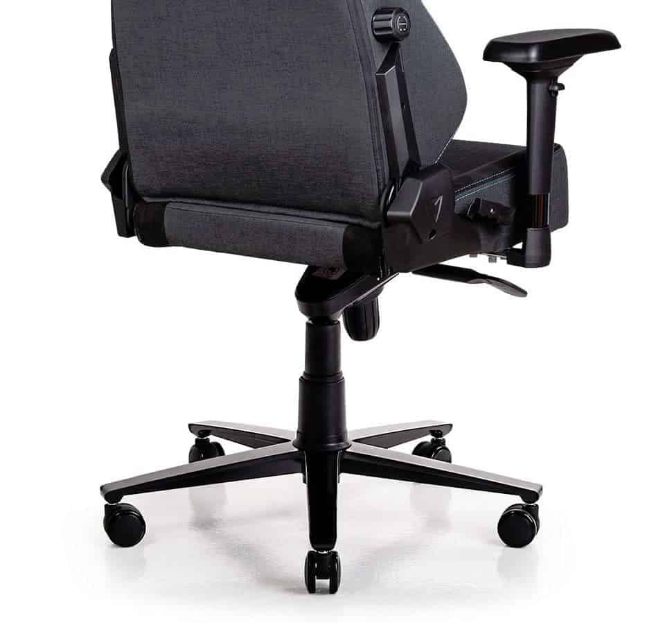 Secretlab Titan Softweave Review Chair Controls